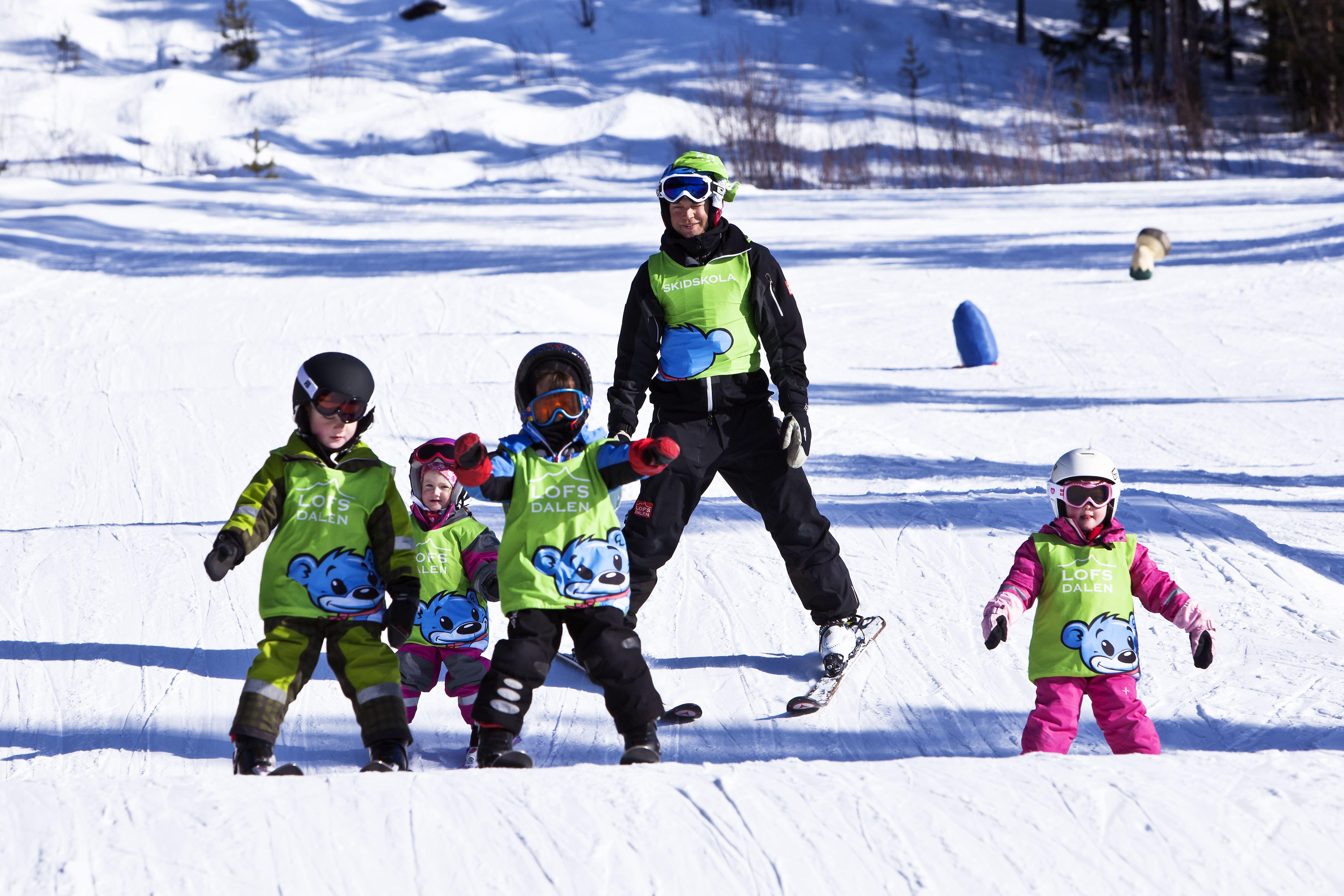Barn i skidskola