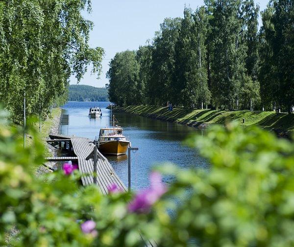 Päiväretki | Kahden kanavan vesitie