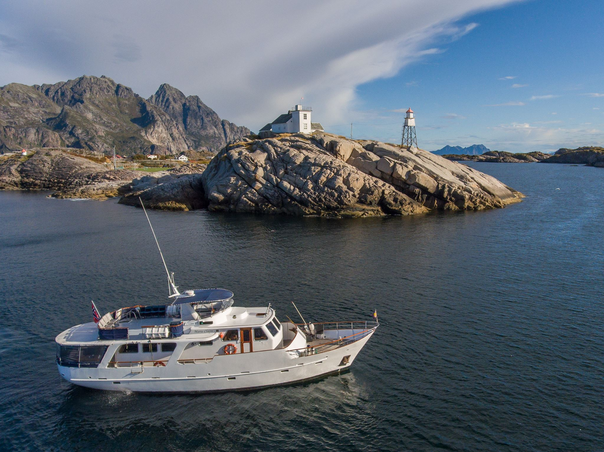Whale Safari and Northern Lights to Skjervøy on a Presidential Yacht