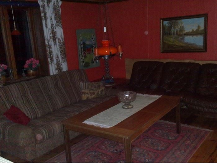 Vardagsrum i den mindre stugan