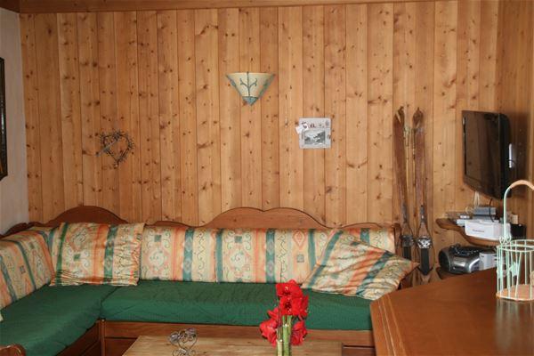 3 pièces cabine 8 personnes skis aux pieds / LE BELVEDERE REZ DE JARDIN (montagne de charme) / Séjour sérénité