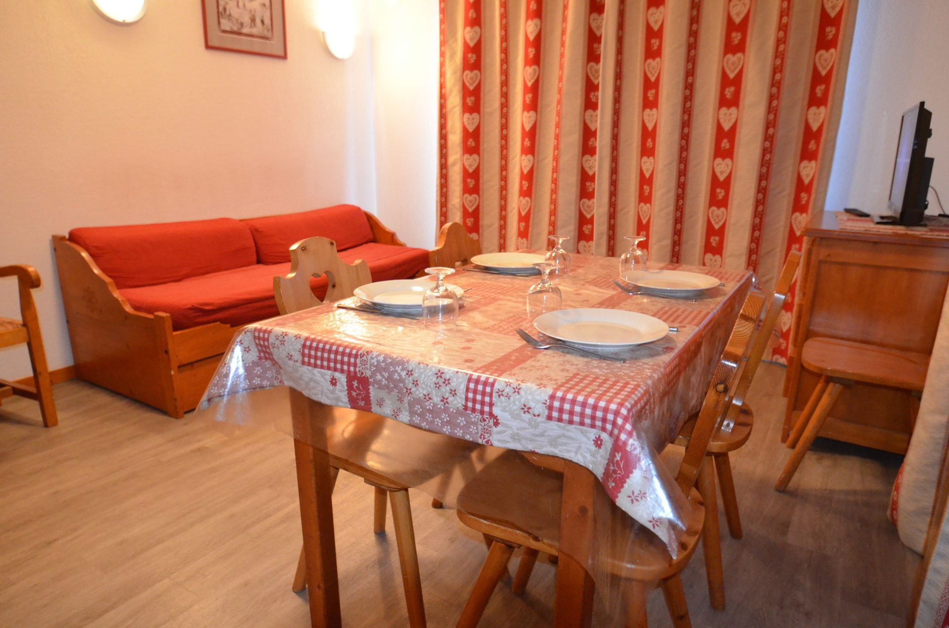3 Rooms 4/6 Pers ski-in ski-out / VALMONT 505