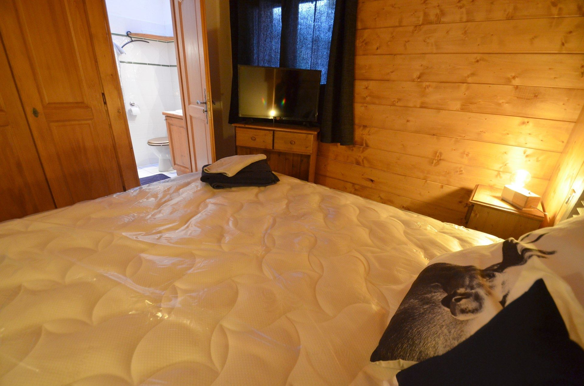 7 Rooms 12 people ski-in ski-out / HAMEAU DES MAROTTE 19