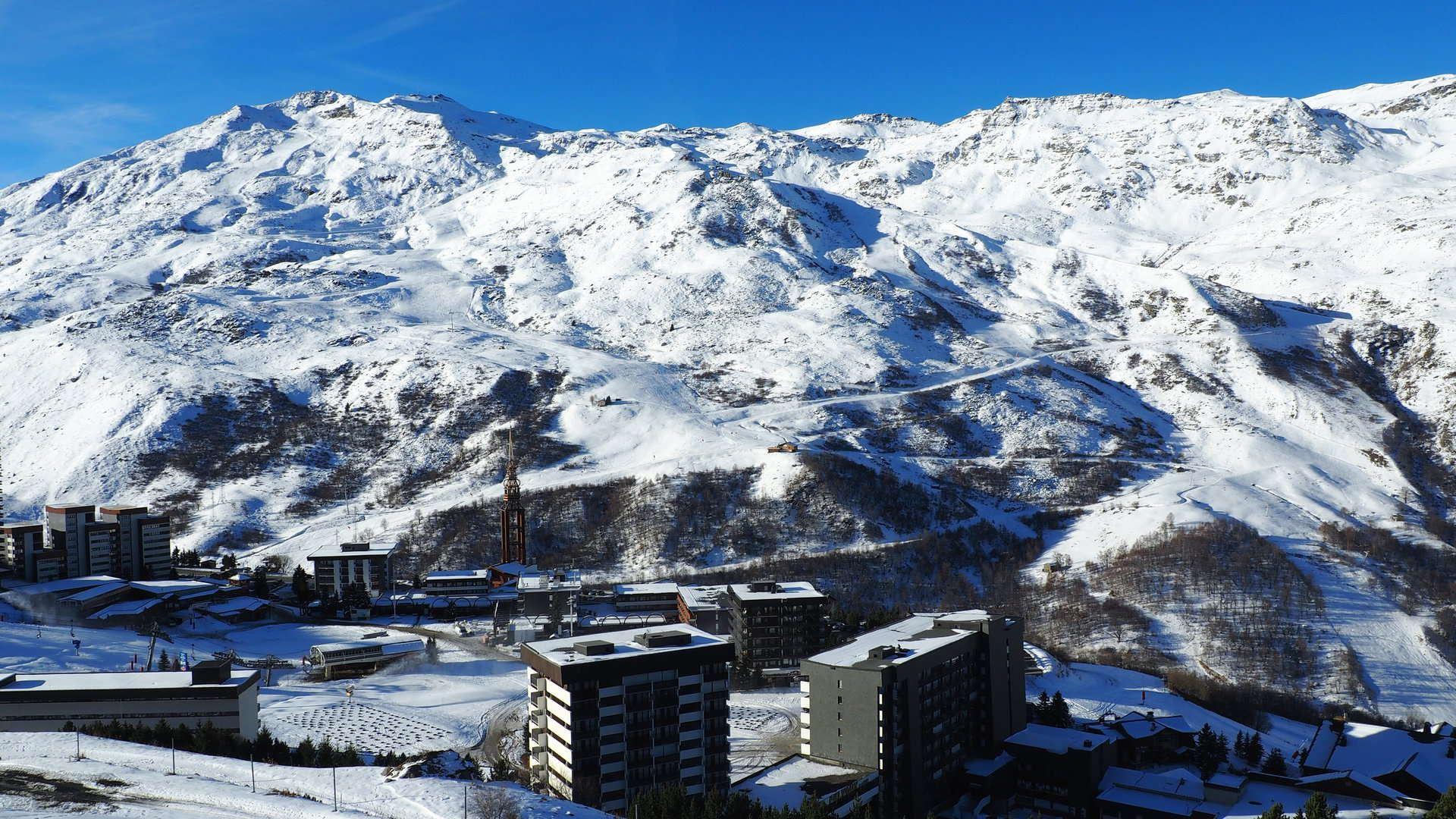 2 Pièces 6 Pers skis au pieds / Evons 601