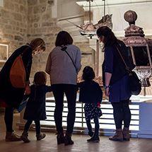 Visite guidée Famille En avant vers le passé ! + entrée musée d'histoire de Nantes et exposition temporaire en cours
