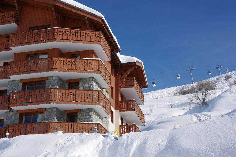 """Résidence skis aux pieds / LES CHALETS DE L'ADONIS (3 Flocons """"Or"""")"""