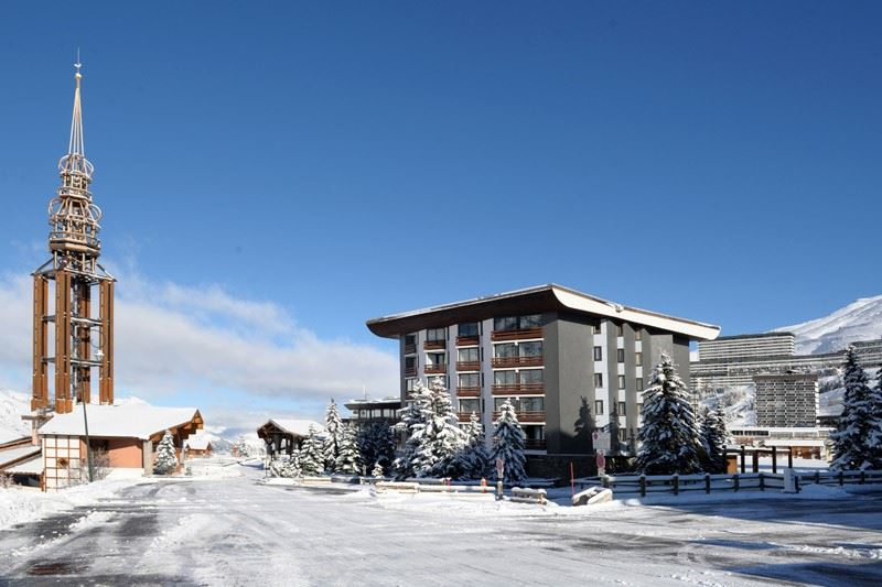 3 Rooms 6 Pers ski-in ski-out / CHANTENEIGE 603