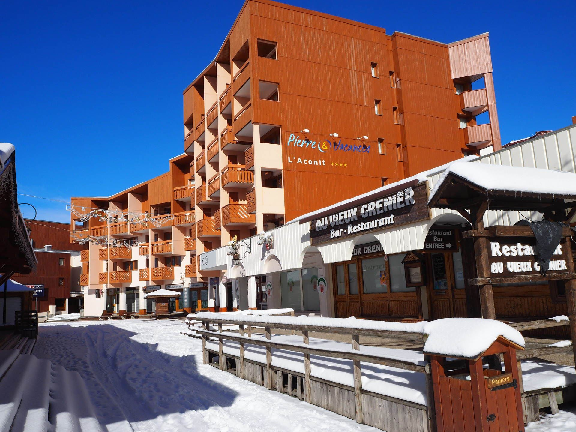 3 Room 6 Pers ski-in-ski-out / Aconit 322