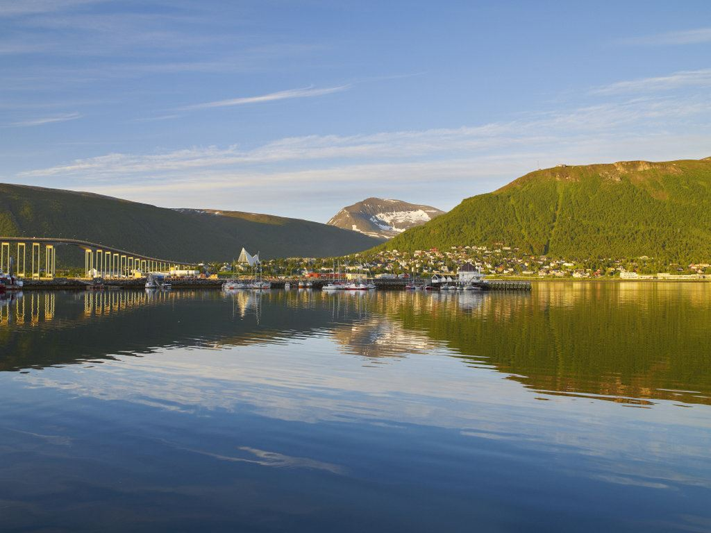 See Tromsø City from the seaside - Norfishinfo