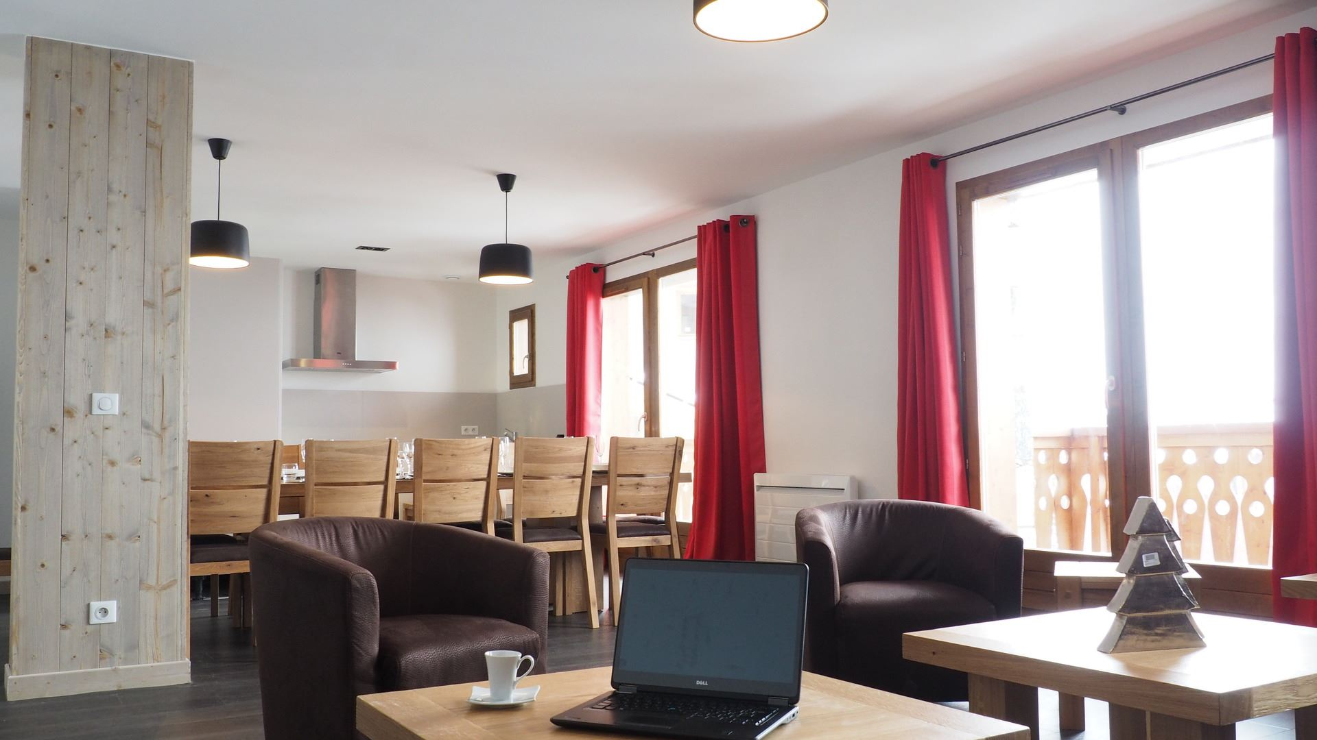 7 Rooms 14 Pers ski-in ski-out / LES CRISTAUX A