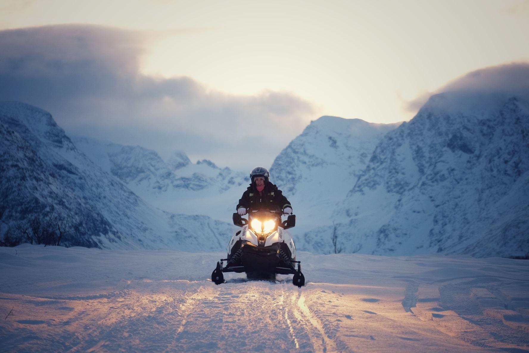 Snøscootersafari - Tromsø Safari