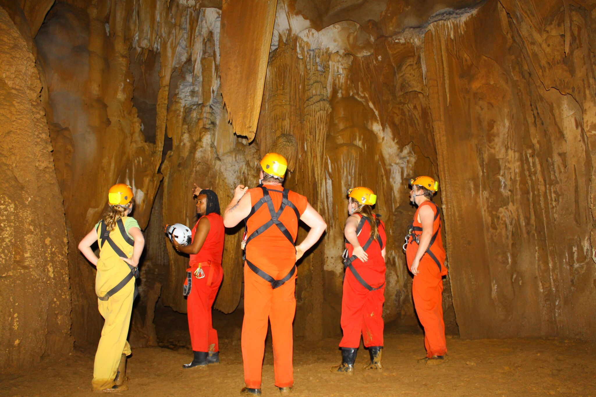 Full day Fun Fun Cave Tour with Lunch and Hotel Pickup