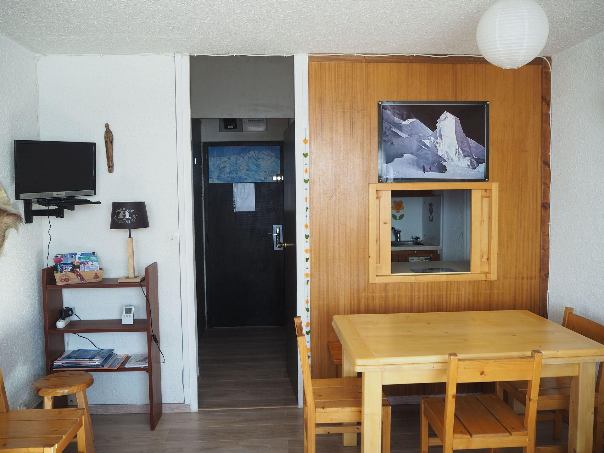 2 Room 6 Pers ski-in ski-out / Aravis 417
