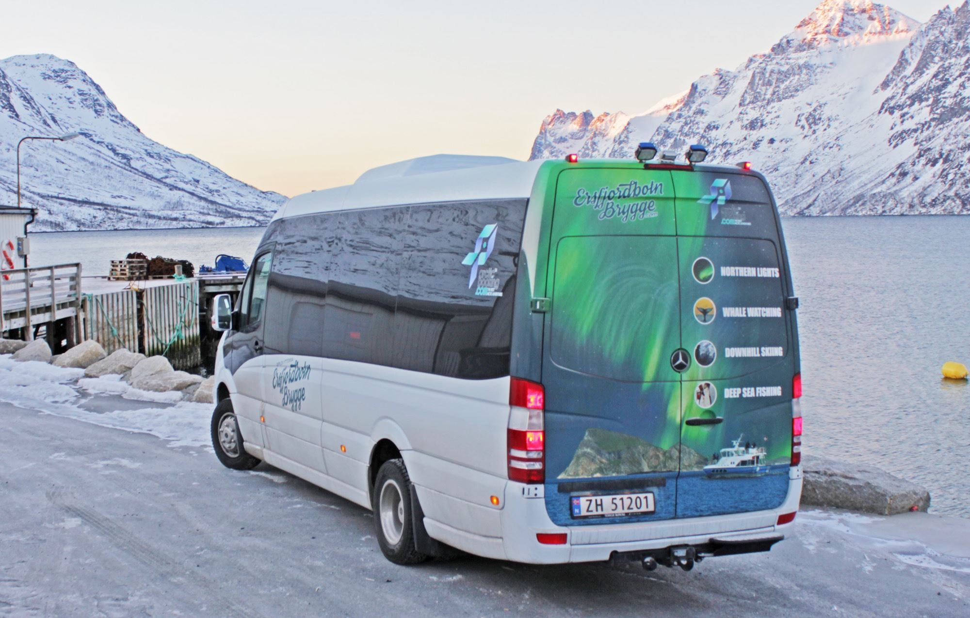 Fjord tour by bus around Kvaløya daytime – Ersfjordbotn Brygge