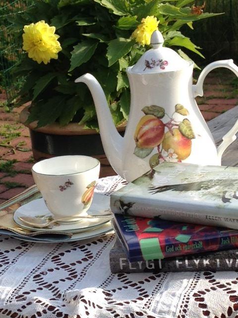 Afternoon tea med boktips