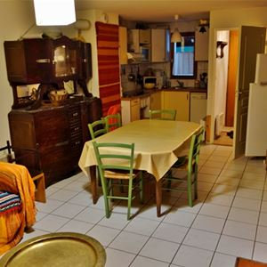 VLG241 - Appartement avec jardinet