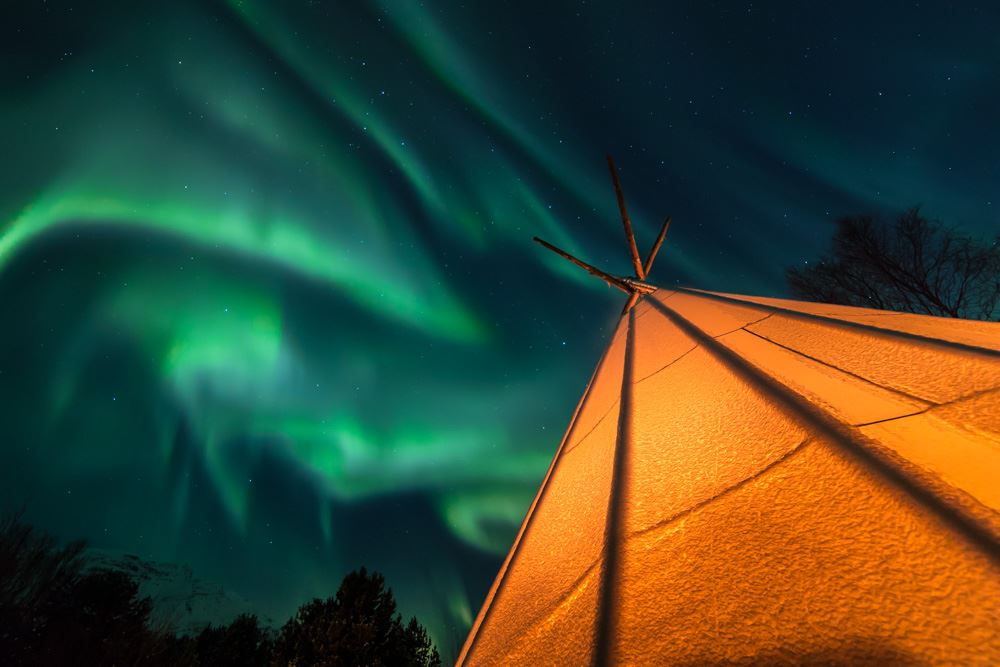 Northern lights chase to Aurora camps - Destination Tromsø