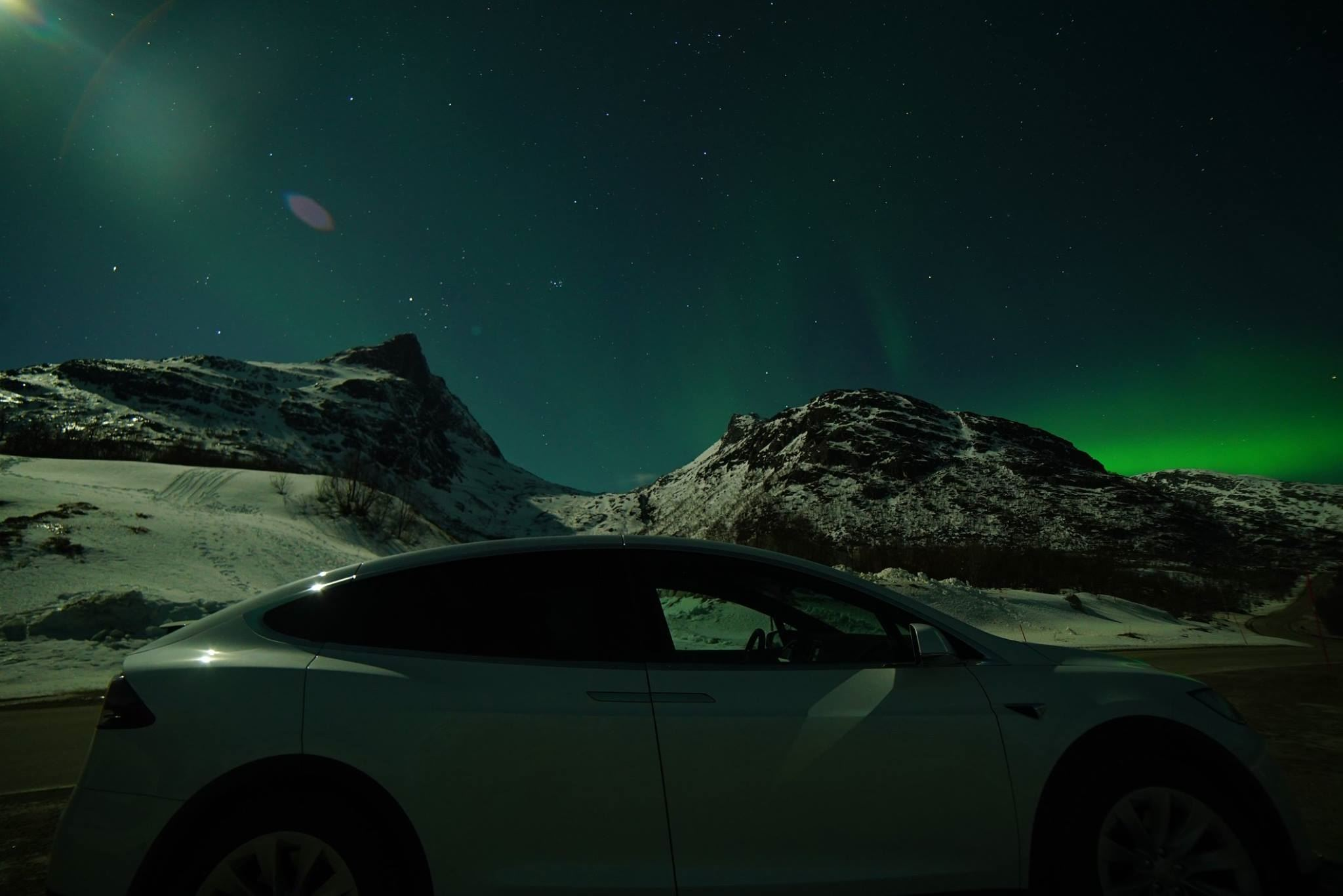 Northern Lights Wildlife Tour from Tromsø with eco-friendly Tesla Model X - Arctic Cruise in Norway