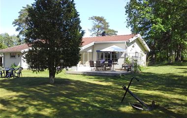 O18846 Haga Park