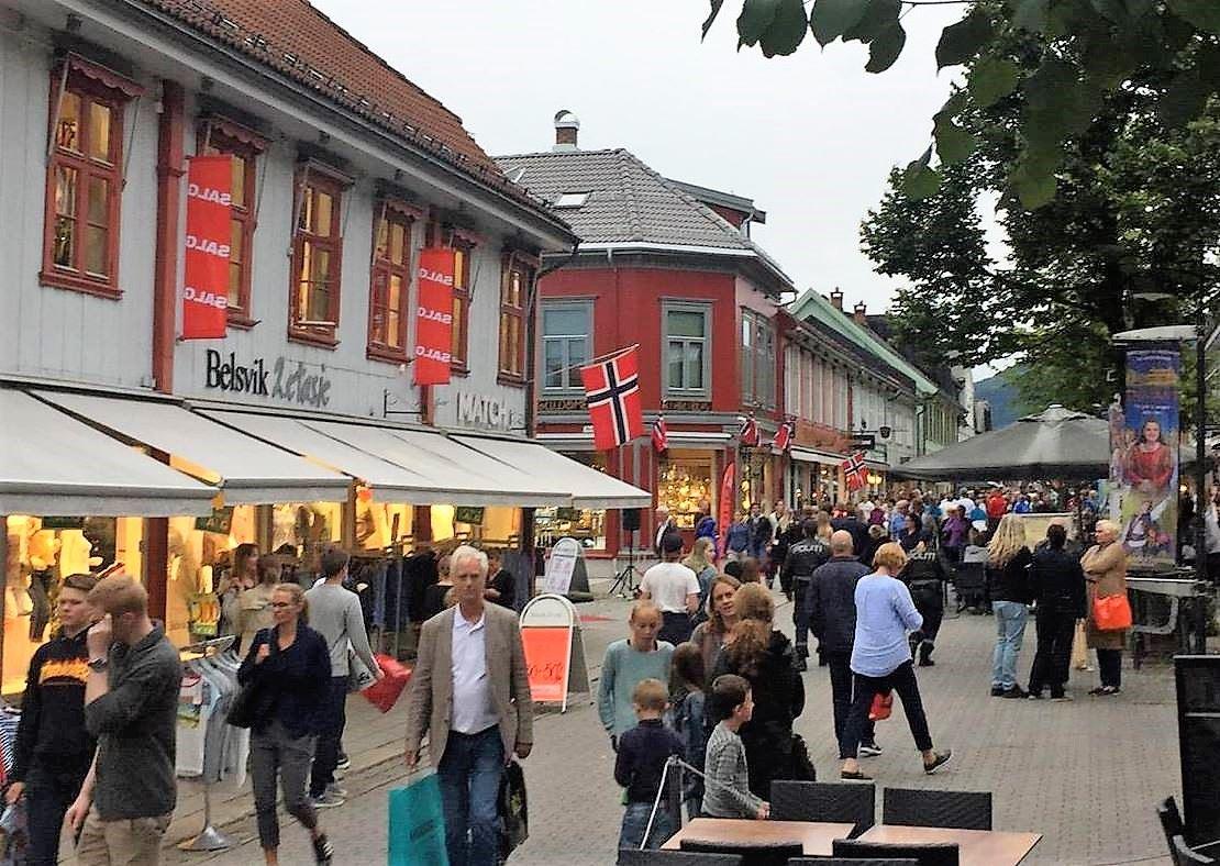 Nattåpent i Lillehammer sentrum