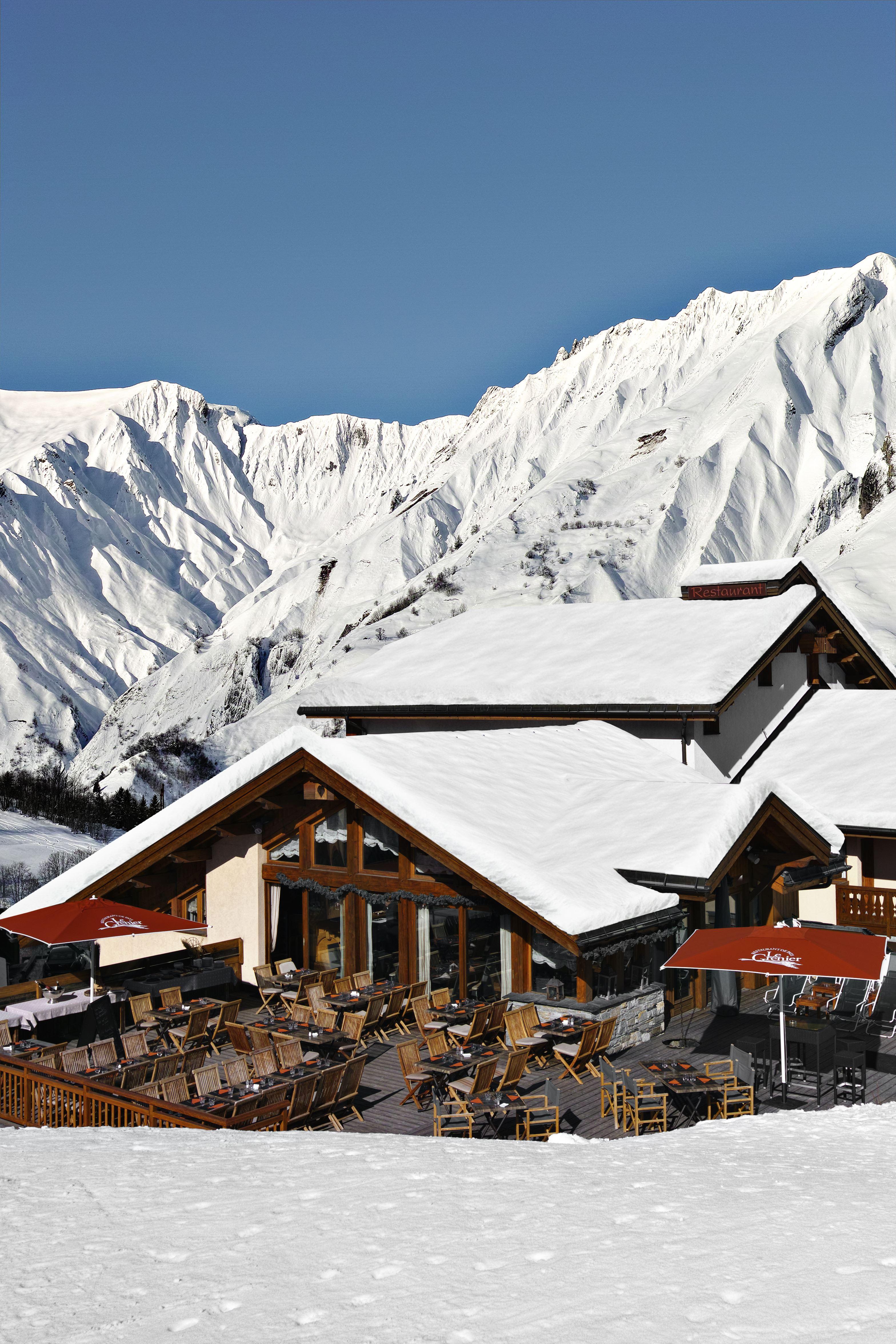 """Hôtel skis aux pieds / HOTEL SAINT MARTIN (4,5 Flocons """"Or"""")"""