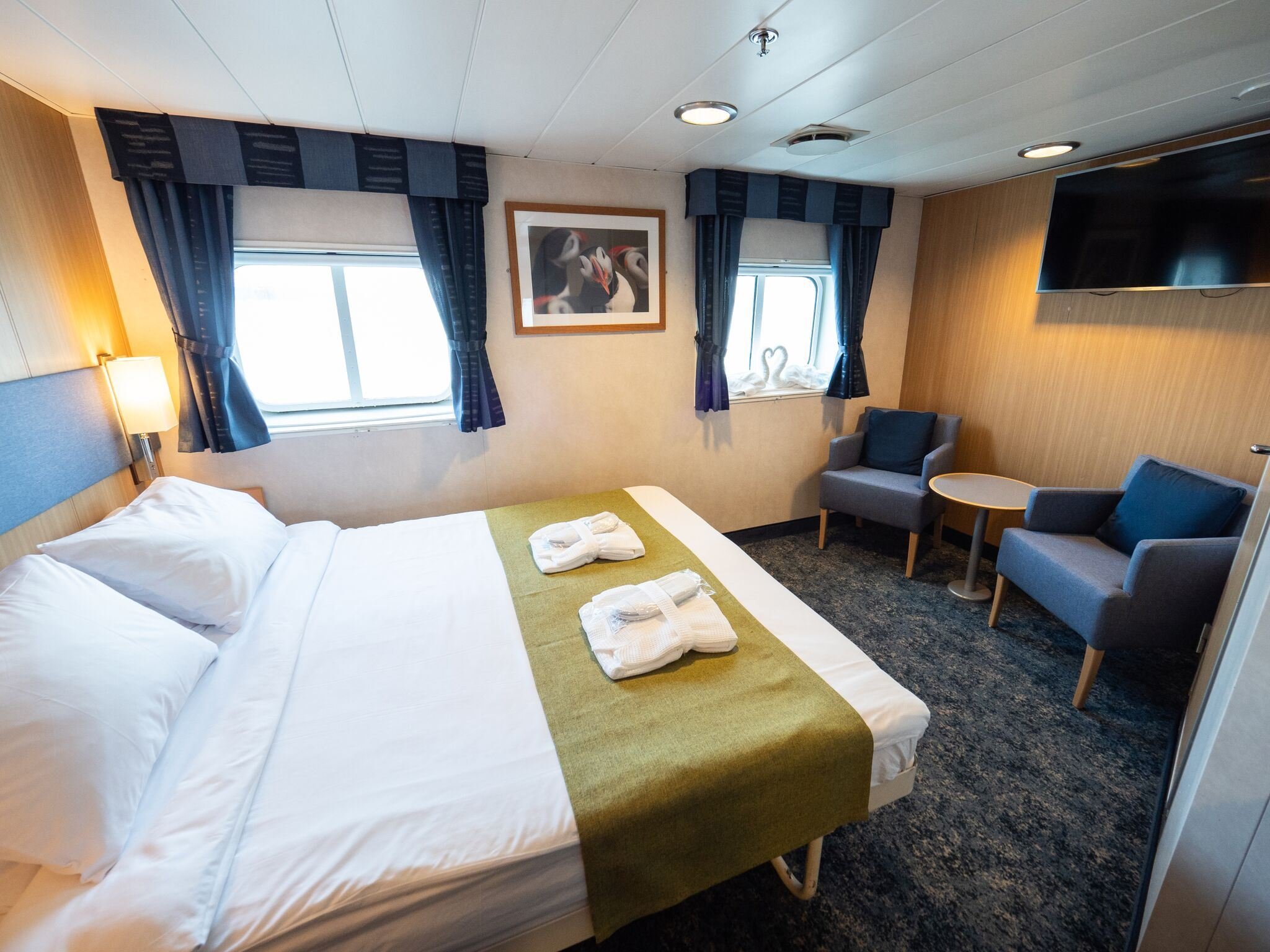 Double cabin Superior (large double bed)