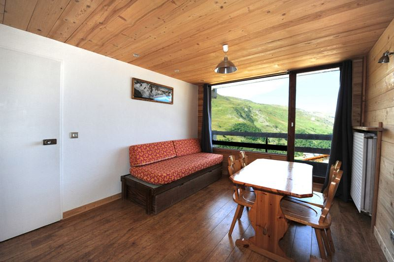 2 Rooms 4 Pers ski-in ski-out / LAC DU LOU 338