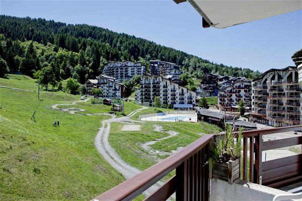 3 pièces, 8 personnes skis aux pieds / Grand Bois B403 (Montagne de Charme) / Séjour Sérénité