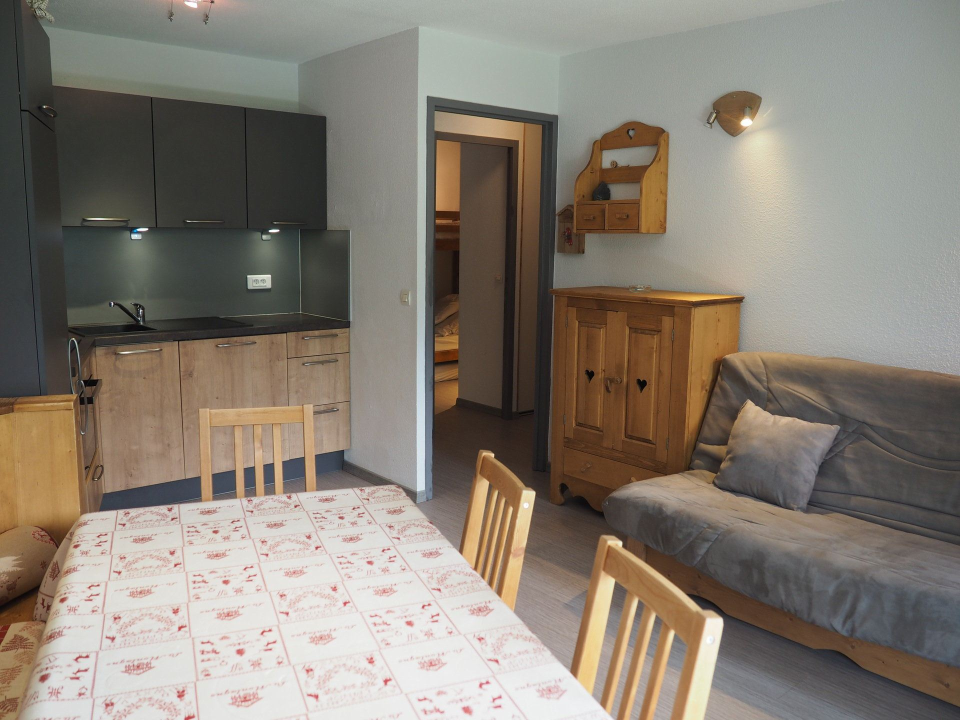 2 Rooms cabin 6 Pers ski-in ski-out / LES BALCONS D'OLYMPIE B1