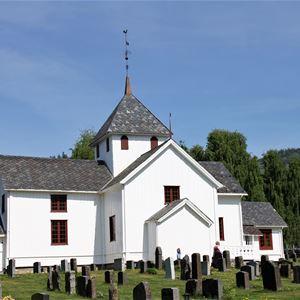 Tretten kirke