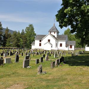 Tretten church