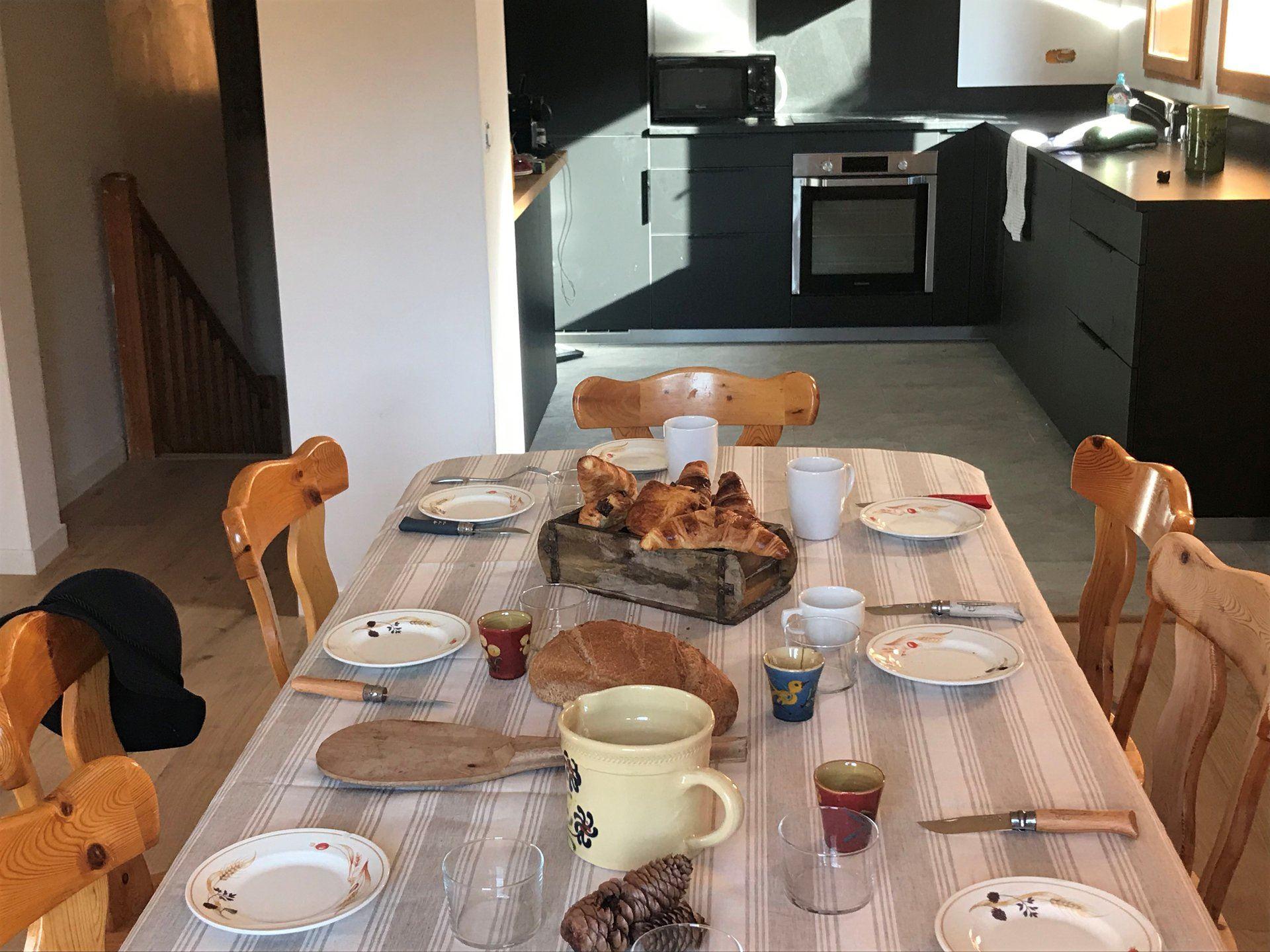 6 pieces 12 personnes / Chalet Marmotte