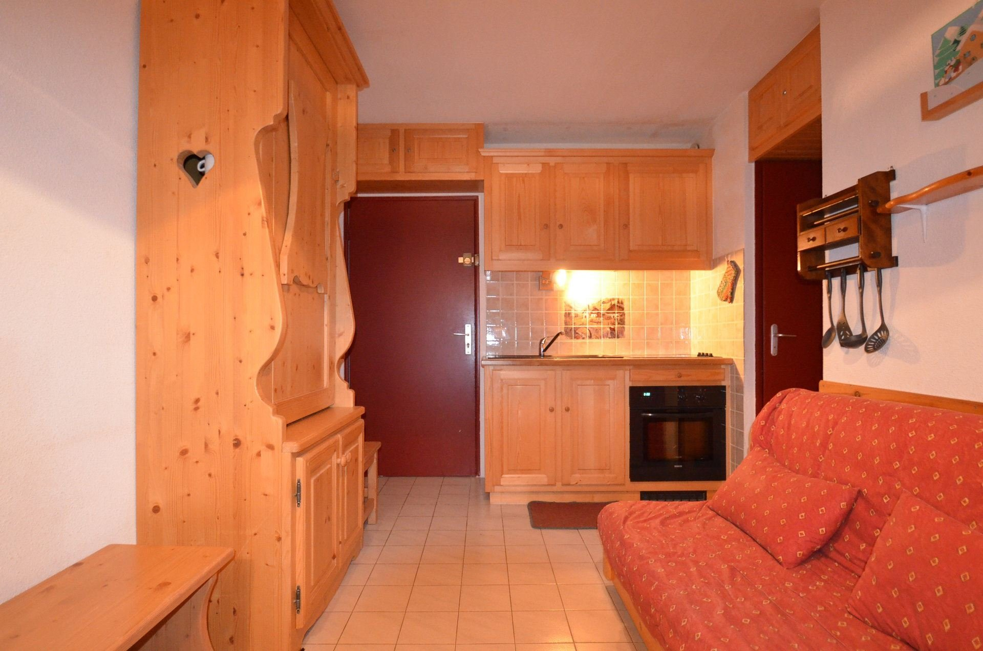 4 Pers Studio 150m from the slopes / JETTAY B27