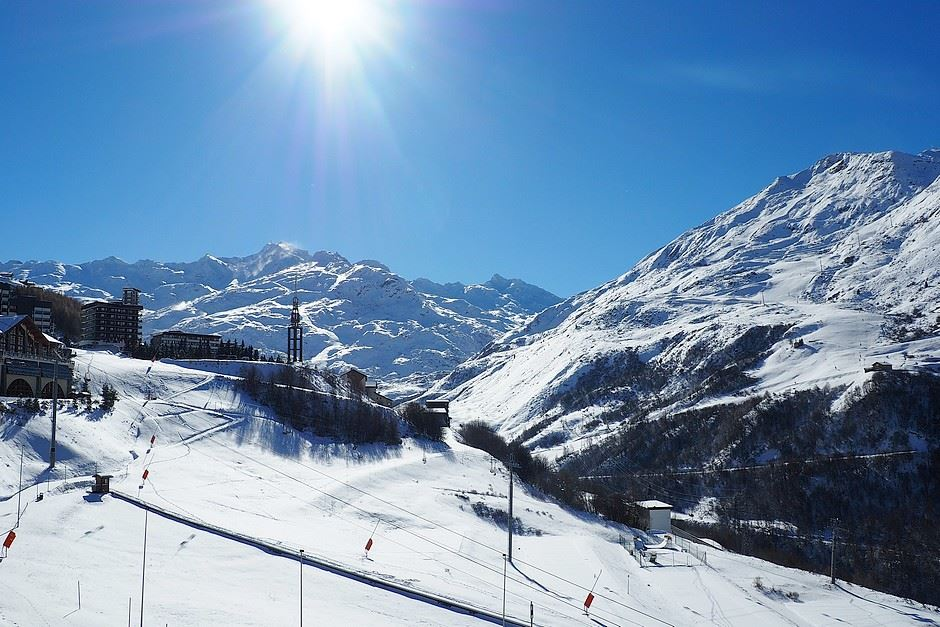4 Pièces 8 Pers skis aux pieds / GRANDE MASSE 806