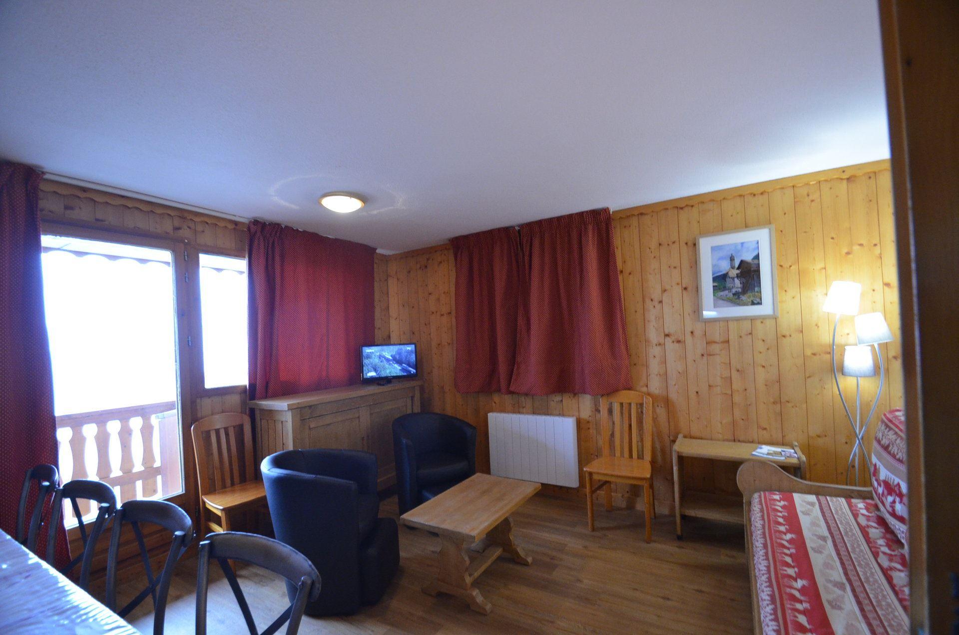 4 Pièces 8/10 Pers skis aux pieds / COURMAYEUR 311