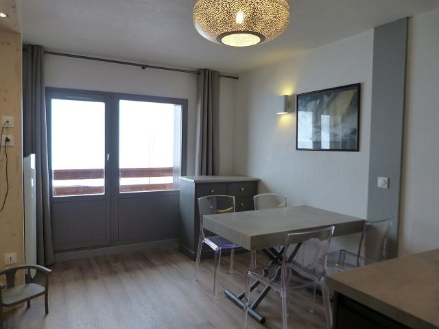 2 Rooms 5 Pers ski-in ski-out / OREE DES PISTES 8