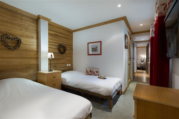 4 rooms 6 people / CHAMOIS 75 (Mountain of Charm)