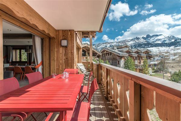4 pièces 6 personnes skis aux pieds / LES VOLETS BLEUS (Montagne de Charme)
