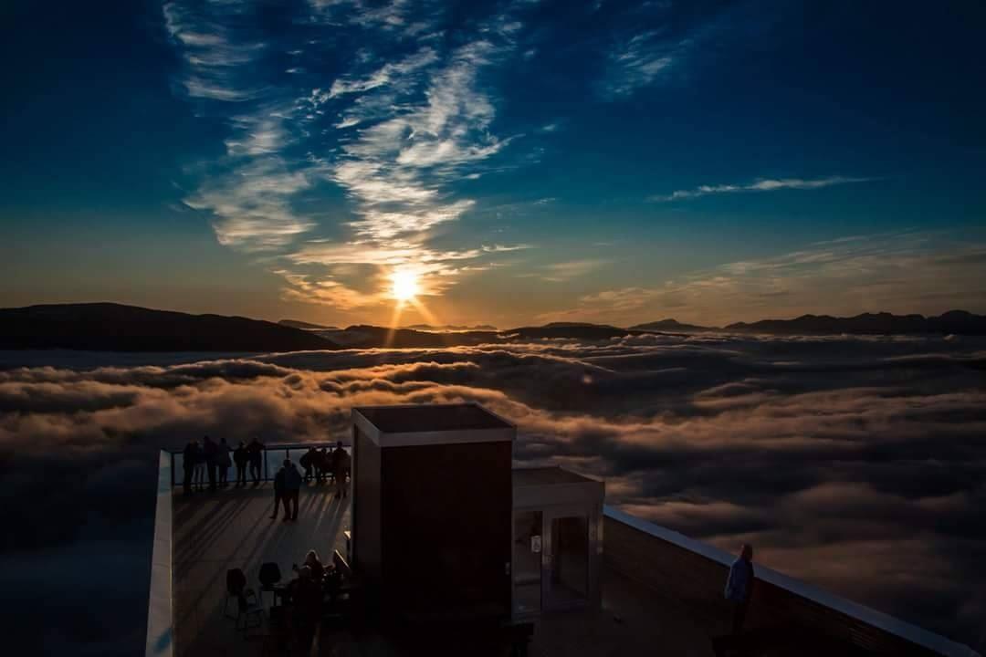 Arctic Panorama - Farout