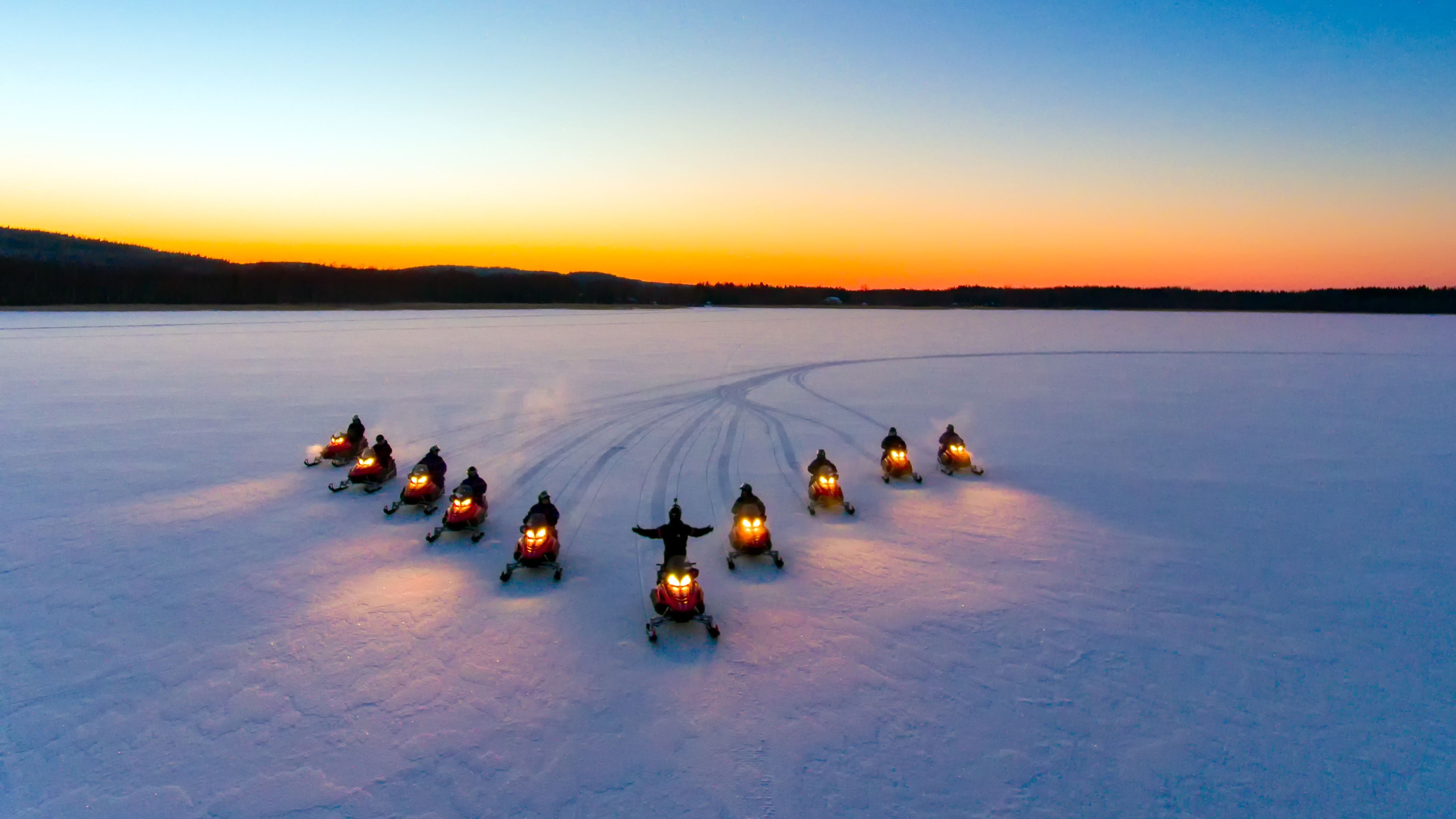 Snowmobile safari | Jump Up