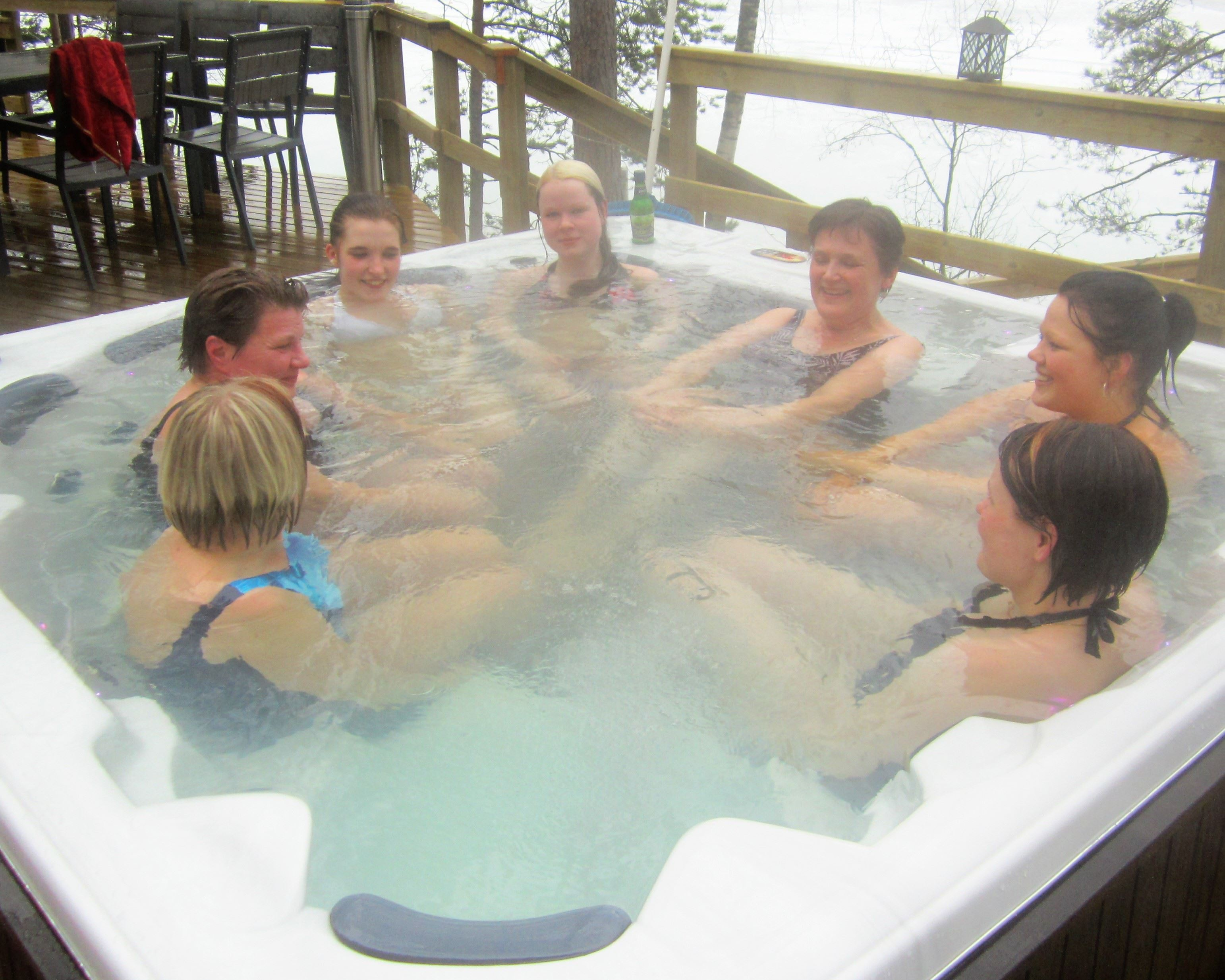 Family winter day and sauna disco | Yli-Kaitala Cottages