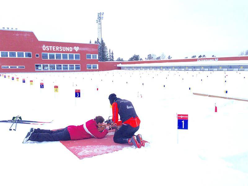 Foto: Visit Östersund,  © Copy: Visit Östersund, Provar skidskytte på stadion