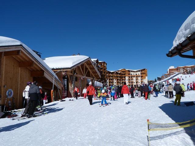 Studio 4 Pers skis aux pieds / CARLINES II 40
