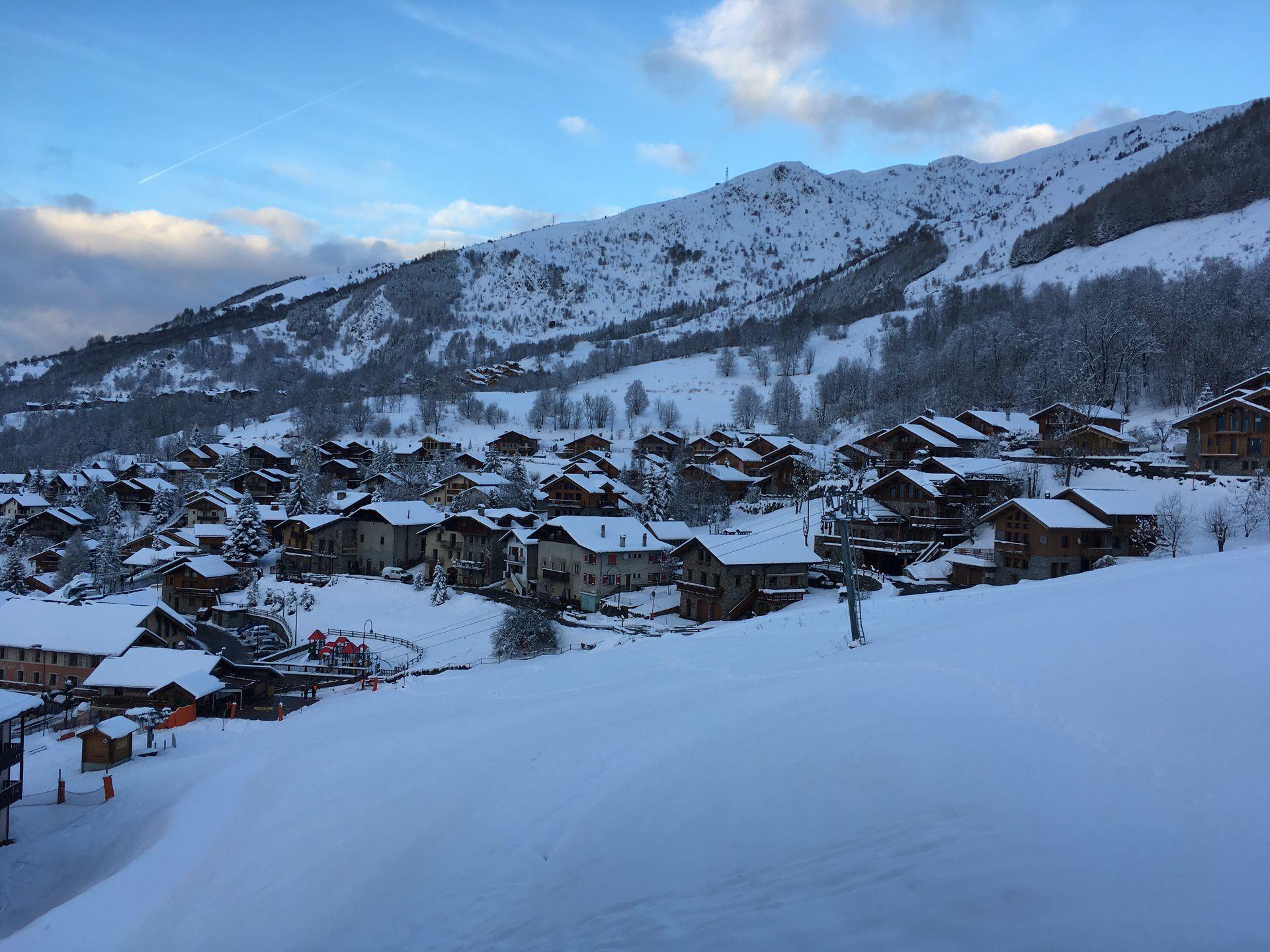 3 Pièces 4 Pers skis aux pieds / CHARMETTES 1