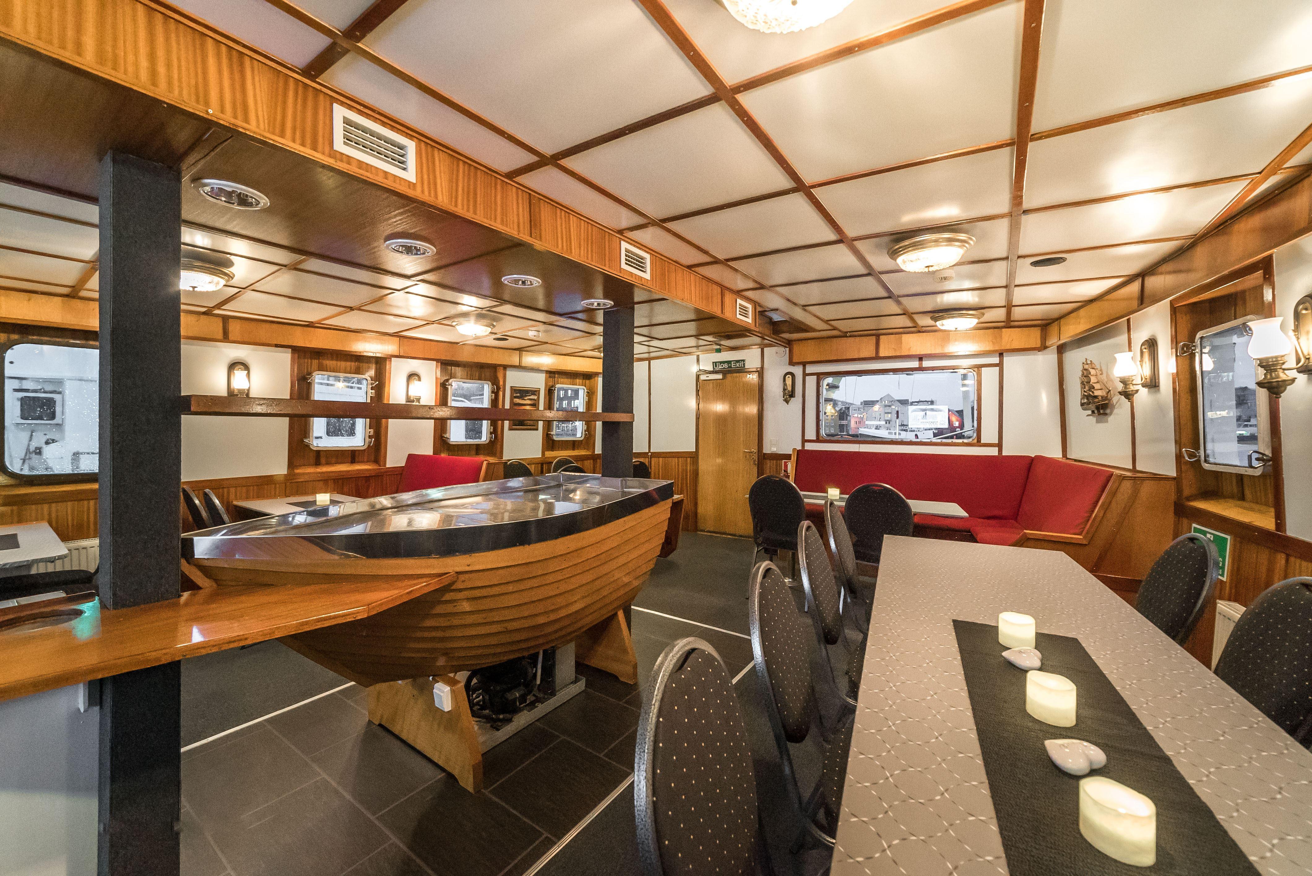 Polar Light Fjord Cruise - Northern Sea Adventure