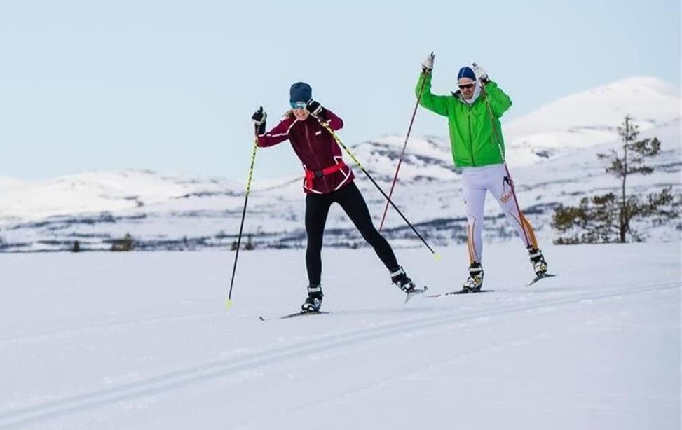 Learn how to skate cross country in Vålådalen