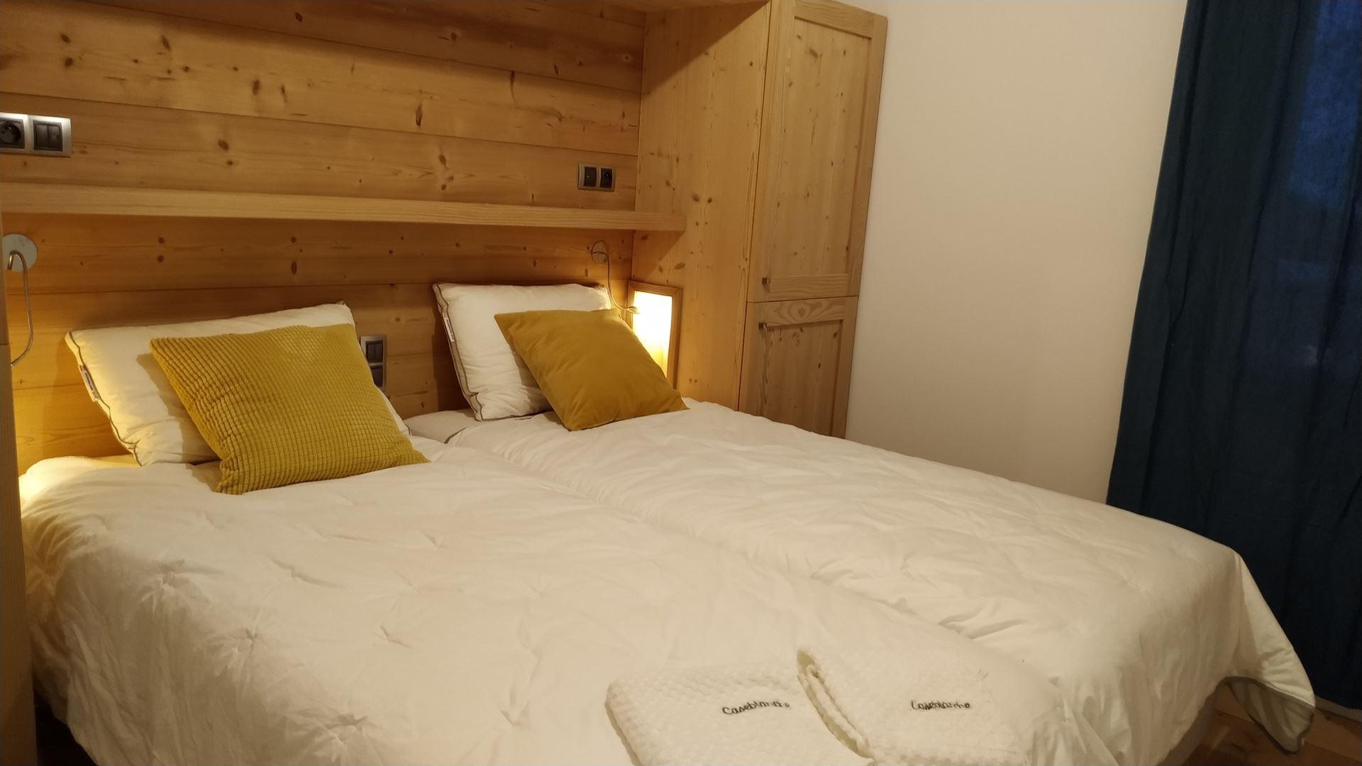 8 Room 16 Pers ski-in ski-out / CASEBLANCHE I6