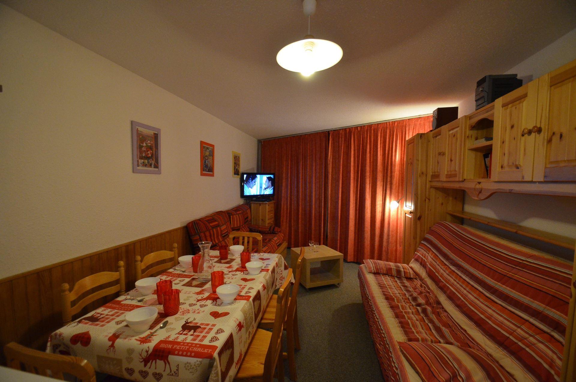 2 Room 6 Pers ski-in-ski-out / CARON 918