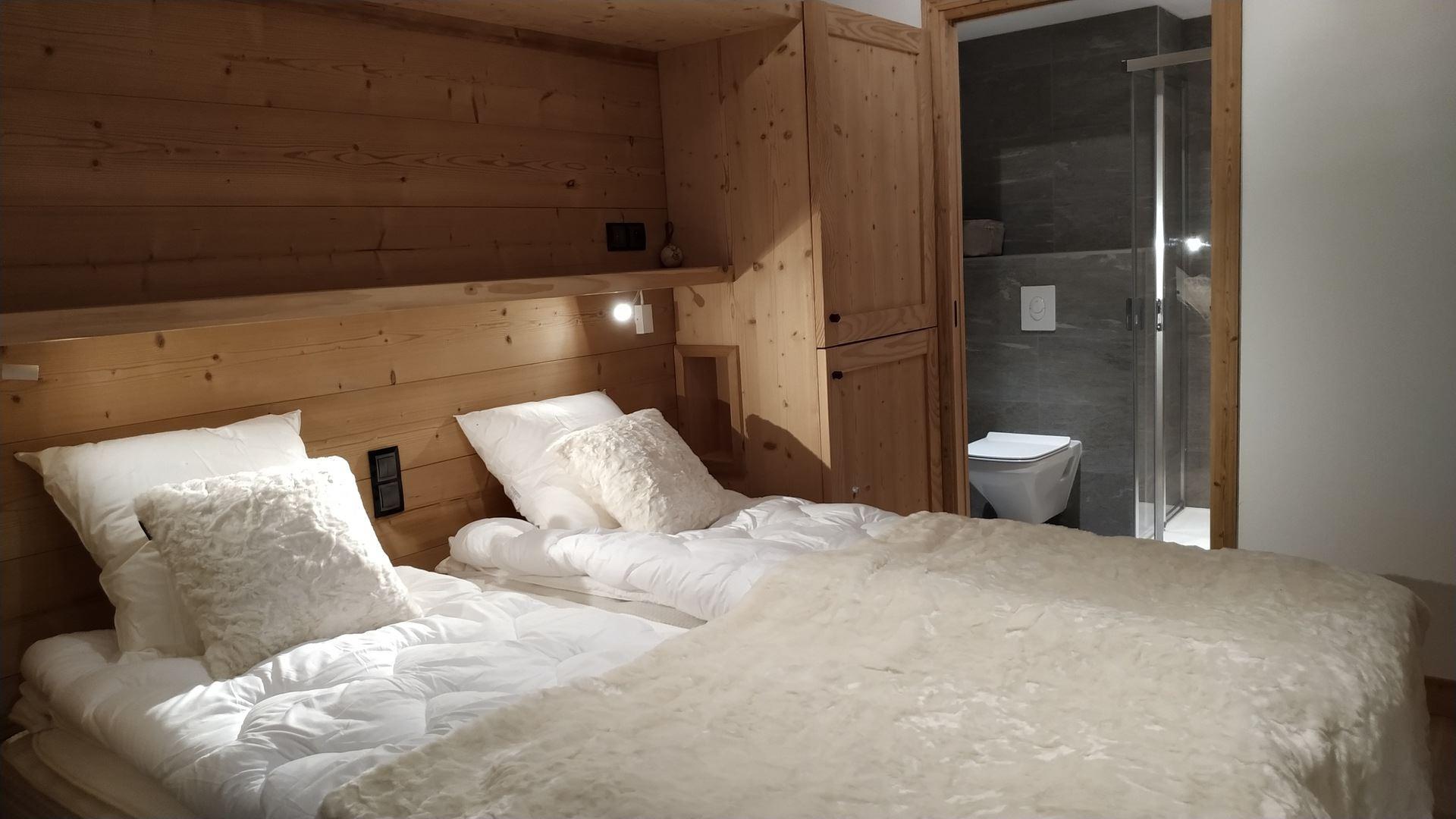 4 Room 6 Pers ski-in ski-out / CASEBLANCHE C21