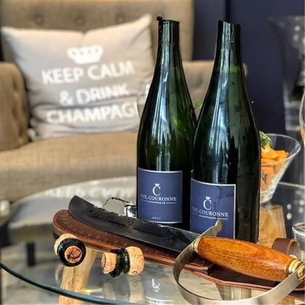 Champagne Pol Couronne - Sabrage